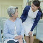 介護の仕事も続かない人もいる。おばさんのお世話をパートにする